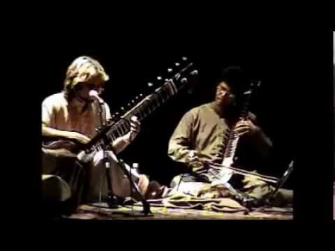 Classical rendition - Sarath Kumarasinghe on Esraj and & Neeraj Prem on Sitar