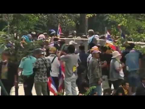 กำนันสุเทพ Thailand Protests Hong Kong tourists still in Bangkok as Thai crisis deepens