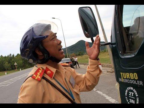 CSGT Kỳ Anh, Hà Tĩnh, một mình dừng xe tải