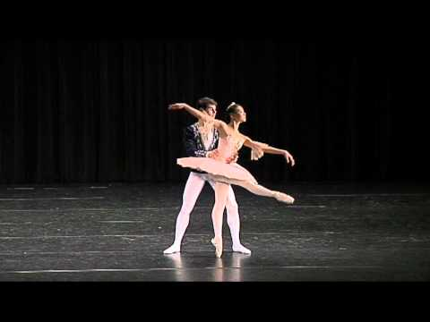 Nutcracker Grand Pas De Deux - Jennifer Wang(14) &amp; Julian Lacey(16)
