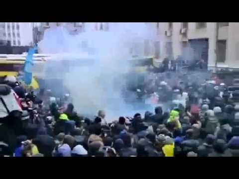 Build-Up to WW3 - Ukraine police`s violent crackdown at Pro EU protests Mass protests turns violent