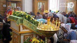 День Рождения церкви. Православные христиане отметили Троицу