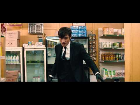 Red 2: Convenience Store Fight 2013 Movie Scene