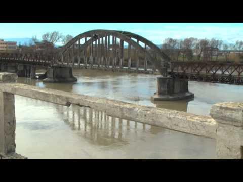 Ura e Mifolit drejt shkatërrimit, grabitësit e skrapit po i zhveshin pjesët metalike