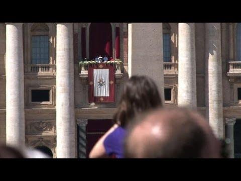 Pope makes Easter plea for Ukraine peace after gunbattle