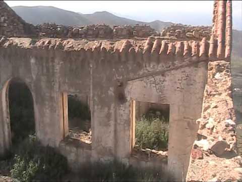 جمعية أدهار أبران تستقبل فعاليات باحثة وتعرفها على المآثر التاريخية الموجودة بالمنطقة