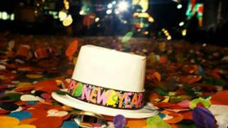 Happy New Year Everyone! / Auld Lang Syne (with Lyrics
