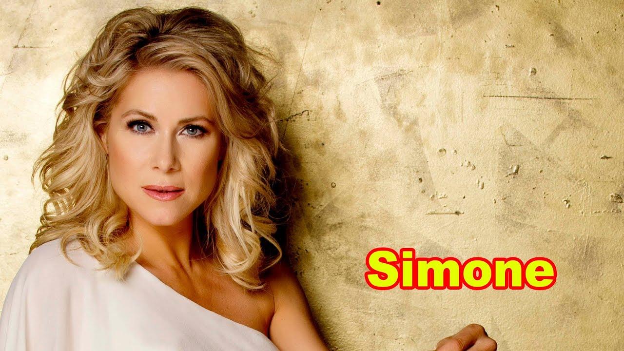 Simone Stelzer Net Worth