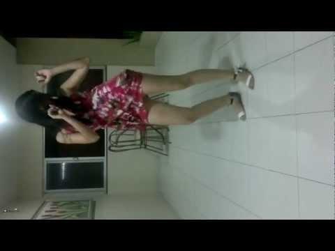 MC KORINGA- MULHERADA DESCE E SENTA/Stella dançando funk ;)
