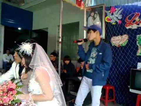 (Phần 2) Thanh niên hát tặng người yêu cũ đi lấy chồng trong đám cưới
