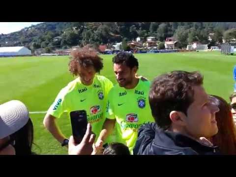 David Luiz manda Fred cortar a língua! (em brincadeira)