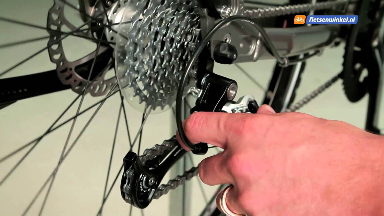 Derailleur afstellen youtube for Monteur de stand