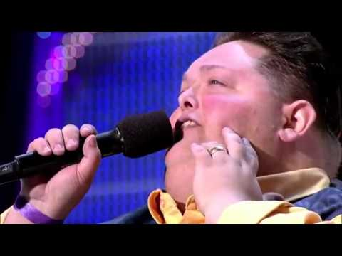 500 POUNDS FREDDIE COMBS IMPRESS JUDGES ON HIS AUDITION!!! THE X FACTOR USA 2012