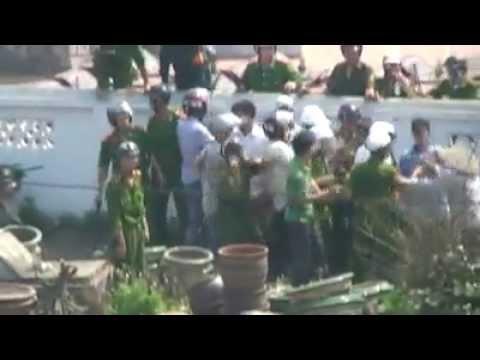 Công An dã mang đàn áp, đánh đập người dân trong vụ cưỡng chế đất Văn Giang