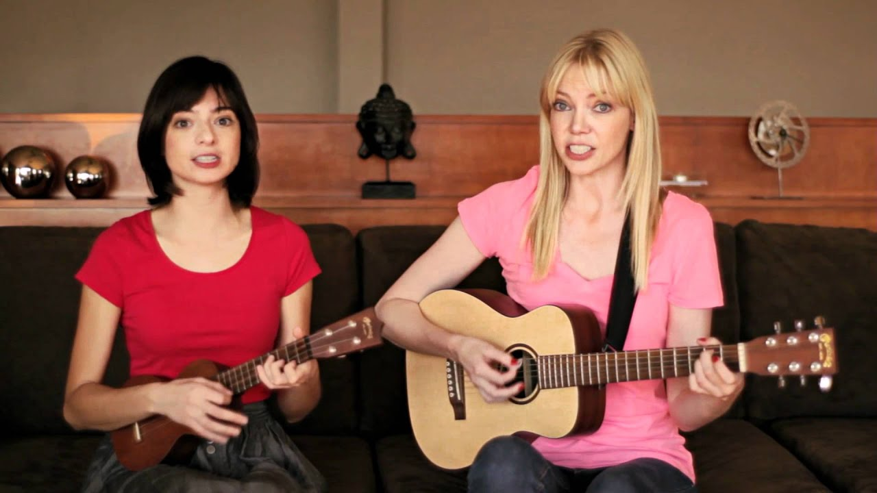 Hey Girl in the Moonlight by Garfunkel and Oates - YouTube