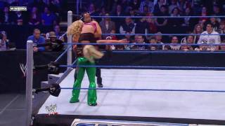 WWE SmackDown 11/06/09 Beth Phoenix Vs Brittney Carter