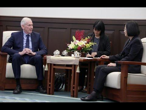 總統接見「美國在臺協會(AIT)主席莫健」