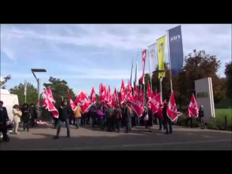 Protests outside Fifa headquarters over Qatar worker conditions - video