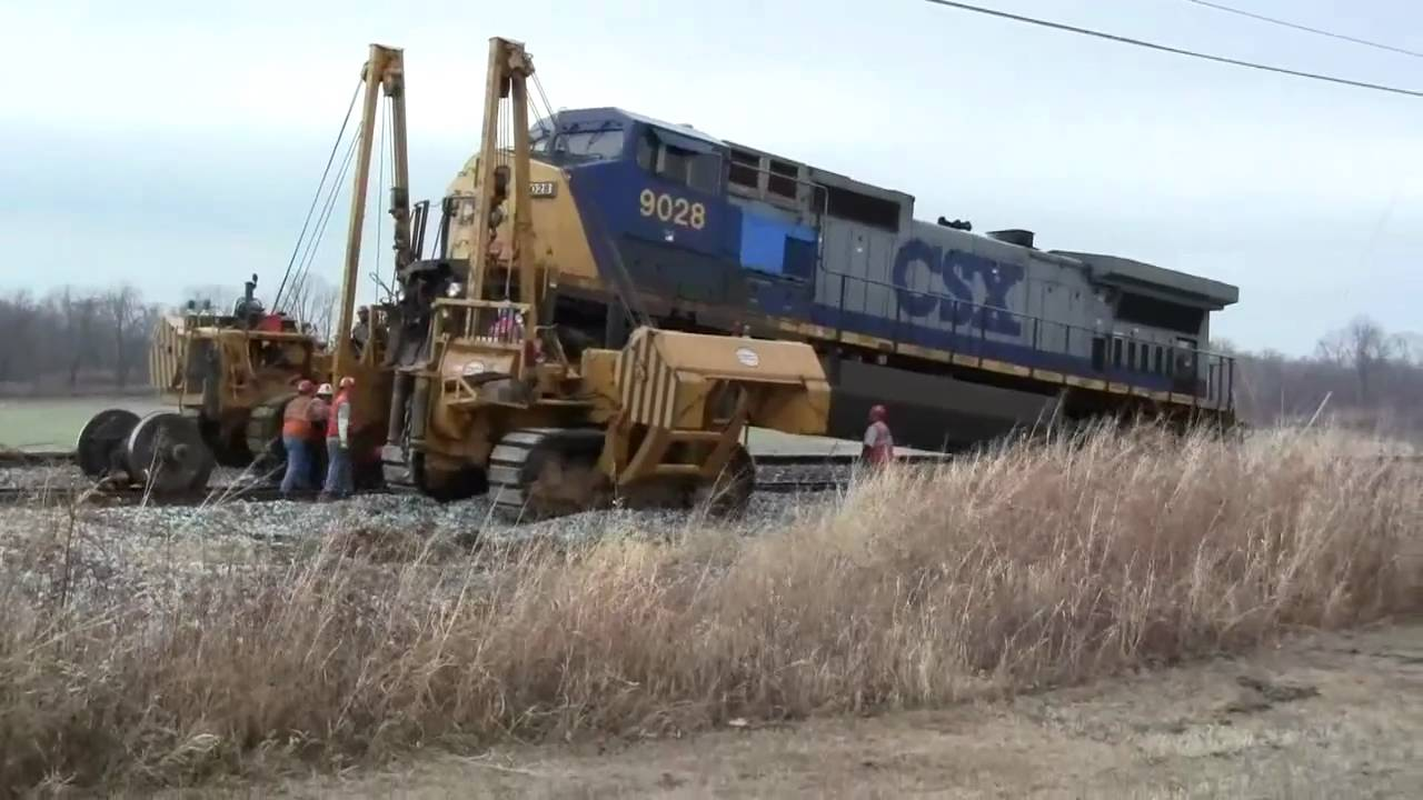 Csx 9028 Locomotive Has A Bad Traction Motor Youtube
