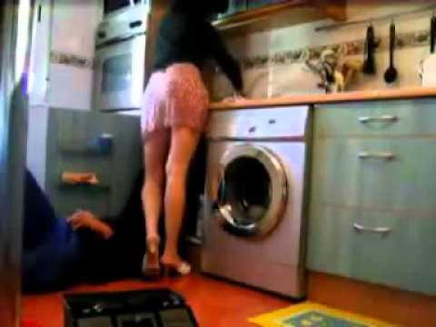 Un plombier un peu trop curieux et    vicieux !!!