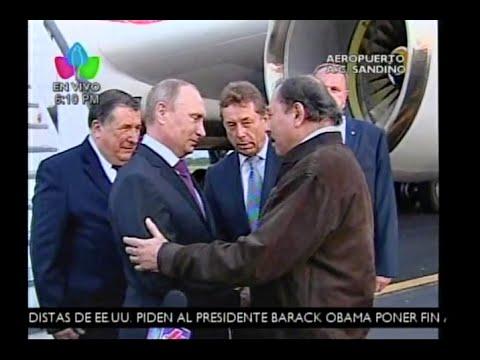 Vladimir Putin es recibido por el Presidente Daniel y la Compañera Rosario