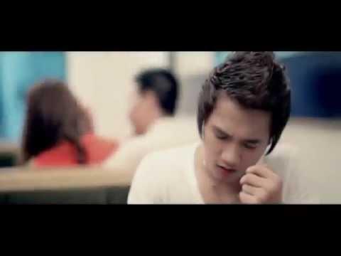 Nụ Cười Không Vui-Karaoke-Châu Khải Phong