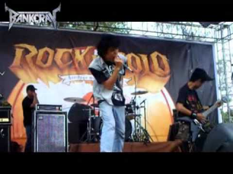 -Nafas Panas Kuli Bangunan (Rock In Solo 2011 \ Stage D) - YouTube