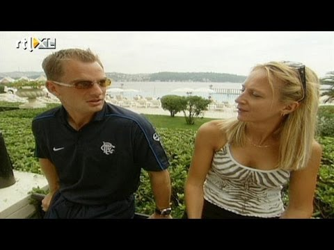 Floortje Dessing ontmoet voetbalhelden in Istanbul - RTL TRAVEL