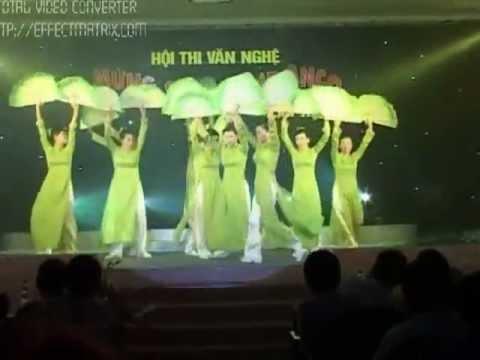 Mua quat Viet Nam Que Huong Toi ( Mung Sinh Nhat Cty Anco Lan thu 10) - YouTube