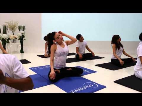 Bài tập thể dục giảm cân hiệu quả với yoga cùng Hồ Ngọc Hà