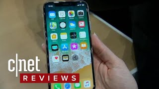 iPhone X hands-on: Apple's high-end phone pulls all the stops (CNET News)