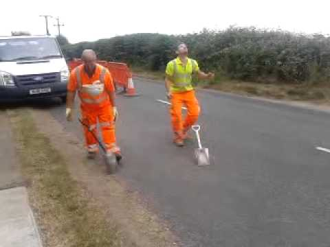 Road worker trick fail
