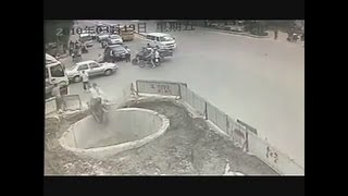 Hati - hati kalau naik motor, jangan sampai seperti ini