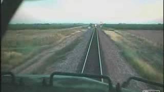 รถไฟชนประสานงากัน เหมือนจะเกิดจากสับรางไม่ทัน