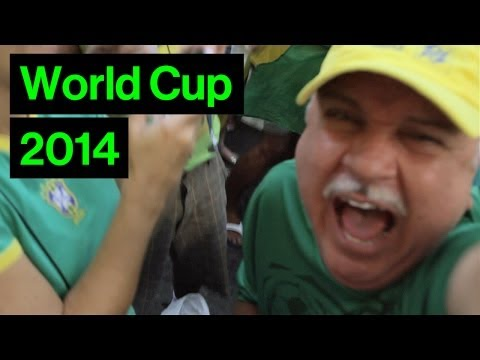 Funny Luiz Felipe Scolari Lookalike's Crazy Reaction To Brazil v Chile Goals