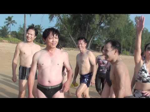 sexy tap the tai bai bien phuket thai lan 4