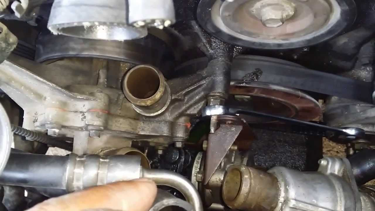 Removing a water pump on a 2001 Lincoln ls YouTube