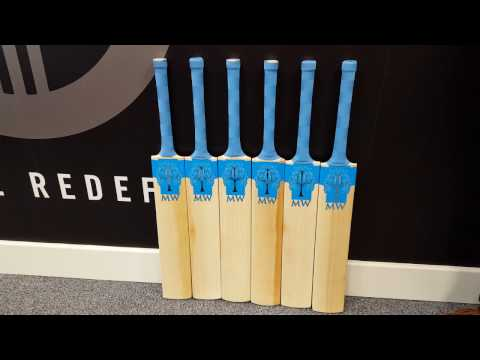 Mighty Willow Sapphire Cricket Bat