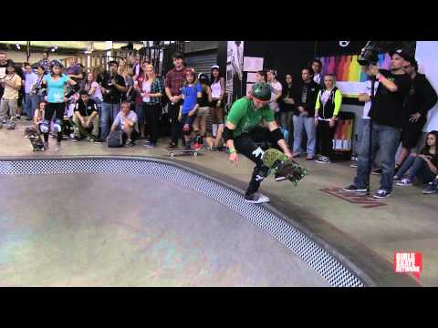 Abby Zsarnay - Vans Girls Combi Pool Classic 2013