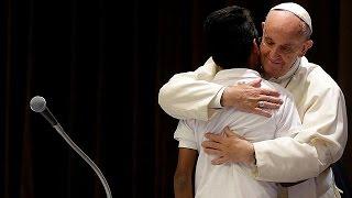 البابا فرنسيس : المهاجرون ليسوا خطريين لكنهم في خطر |