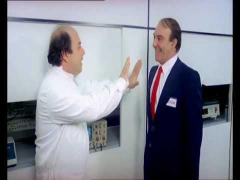 Vieni avanti cretino - Il dottor Tomas