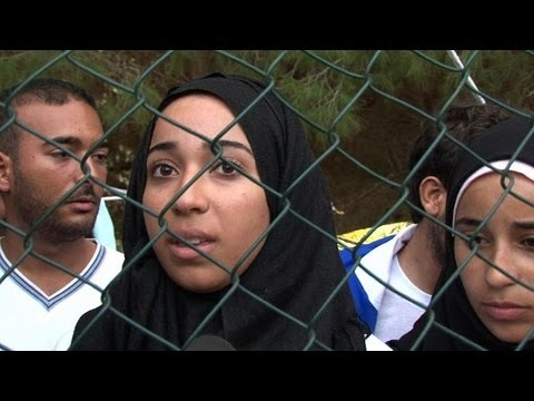 Italy shipwreck survivors tell fellow migrants of trauma. Duration: 01:15