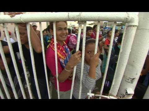 TYPHOON HAIYAN - AID FINALLY ARRIVES - BBC NEWS