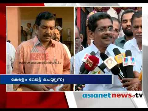 Kerala Election 2014 :Mullappally Ramachandran on polling boothപോളിങ്ങ് ബൂത്തിലേയ്ക്ക്