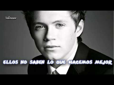 One Direction-They Don't Know About Us (Subtitulada al español + fotos)