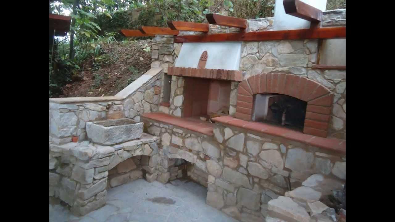 Forno a legna in pietra barbecue e fontana costruzione youtube - Caminetti per esterno ...