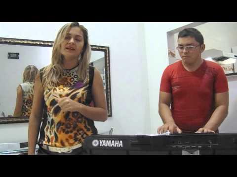 Monaisa Santiago cantando: Vou assumir (Aviões do Forró)