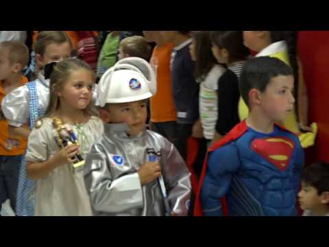 Fields Store Elementary Story Book Costume Parade