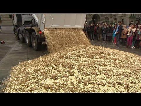 شاحنة محملة بقطع نقدية بسويسرا