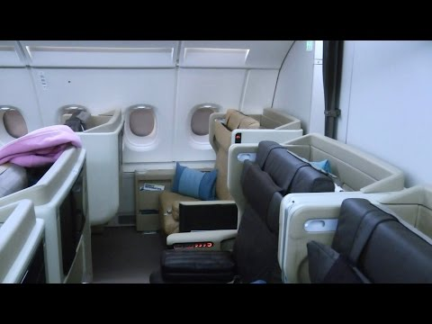 Singapore Airlines SQ333: Paris to Singapore (Business Class)